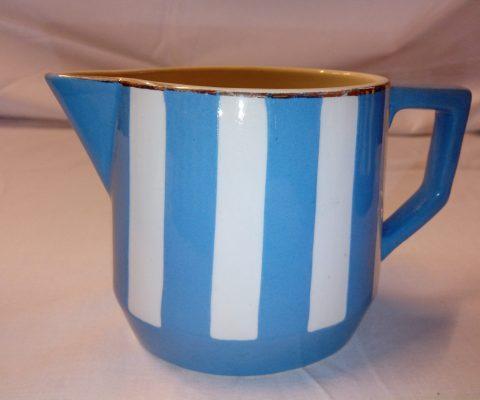 pot à lait Fox Trott, art déco, Sarreguemines, bleu et blanc